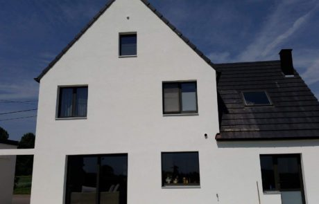 Renovatiewoning bepleisteren van buitengevels in Aalst Tony Boel
